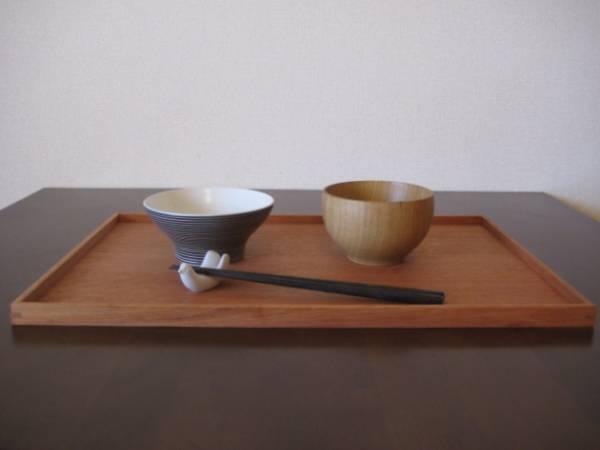 食器とお盆は無印のものを購入しました!緑の食器はスタジオクリップさん。 pic.twitter.com/2FQuK6fb97