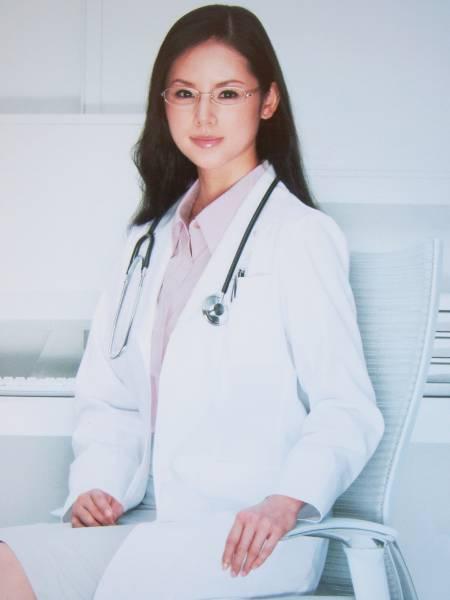 医者の小西真奈美