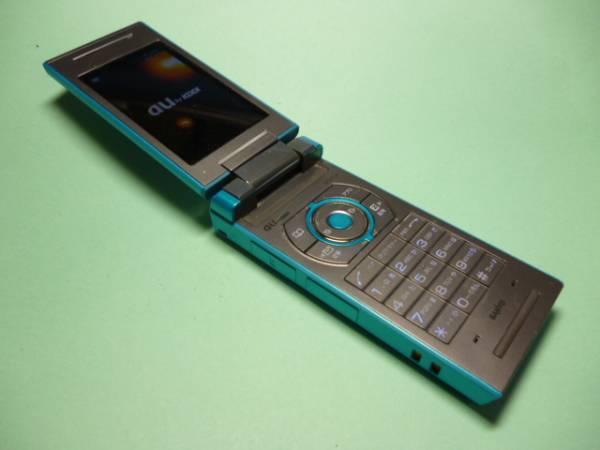 au W52SA ブルー SANYO 携帯電話...