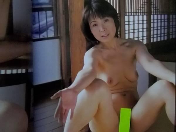 富士出版熟女ヌード画像 人妻熟女達が富士出版で魅せる「絹肌八人」ヘアヌード - 素人 ...