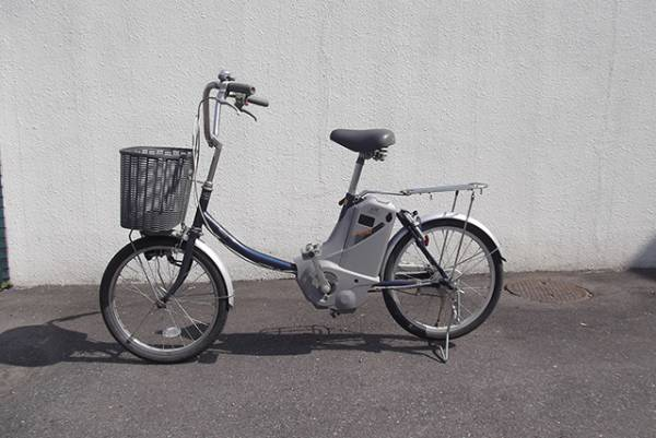陽 の あたる 坂道 を 自転車 で