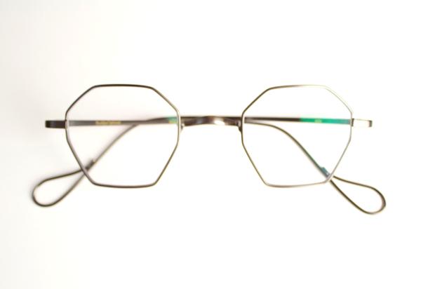 オクタゴン メガネ