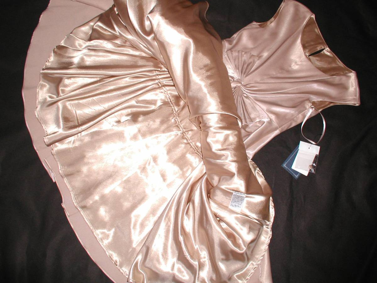 232 上質つるつるサテン 裏地サテン フレアーたっぷりドレス