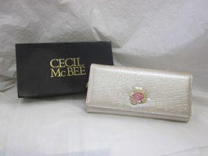 198295c1fb66 未使用☆CECILMcBEE セシルマクビー 長財布 エナメル 型押し加工 シャンパンゴールド