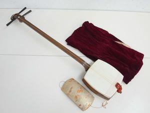 V018-N17-12 三味線 紅木 丸打胴 長唄 正寸 和楽器 袋付き 現状品 ...